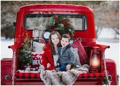 Christmas Holiday Mini Session Photo Shoot Connecticut Photographer Vintage Red Truck  Natalie Buck Photography Xmas Photos, Family Christmas Pictures, Holiday Pictures, Family Holiday, Family Photos, Vintage Christmas Photos, Easter Pictures, Family Posing, Family Portraits