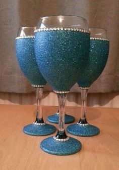 4 Glittered teal wine glasses