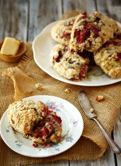 Whole wheat Raspberry-Oatmeal-Scones