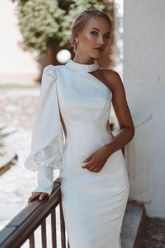 Pretty Prom Dresses, Glam Dresses, Dream Wedding Dresses, Bridal Dresses, Kleidung Design, Elegant Sophisticated, Winter Fashion Outfits, Wedding Attire, Dream Dress