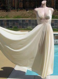 Vintage Nightgowns, Robes, Pajamas
