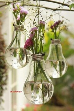 Recycled bulbs as flower pods for vintage wedding #wedding #vintage #flowers