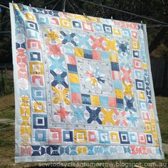 The big reveal of my Aviatrix Medallion quilt for the Aussie Aviatrix Quilt Along. Medallion Quilt, Quilt Making, Robin, Quilting, Arts And Crafts, Posts, Blanket, Sewing, Random