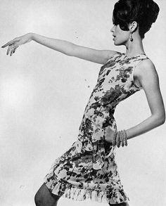 Sue Murray Vogue1965