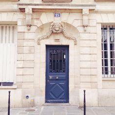 Parisian door, photo by Carin Olsson