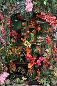Tropical Garden Display  Credited to 2013 Shinoda Design Center Santa Ana, California - got to check it out in person
