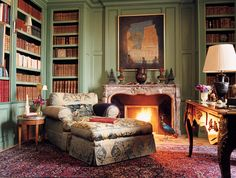 Trendy Home Library Room Fire Ideas Home Library Rooms, Home Libraries, Cozy Library, Green Rooms, Green Walls, Cozy Corner, Trendy Home, Reading Room, Beautiful Interiors