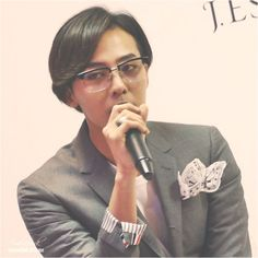 G-Dragon at the J. Estina 2014 F/W Brand Presentation event held on September 3 at the Namsan State Tower in Seoul.