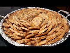 دالهمة والشان منظر ومذاق ناجح ومضمون 100% تميزي بيه هاذ العيد وخلي كلشي يسولك عليه رائع !!!! - YouTube Bastilla, Apple Pie, Biscuits, Desserts, Muffins, Cookies, Petit Fours, Cooking Recipes, Bee