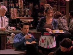 """Pattern Blindness   Here Are All 90 Outfits Rachel Green Wore On The First Season Of """"Friends"""""""