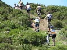 Merece la pena la subida a este mirador que se encuentra en la etapa 6 del Anillo Ciclista de la Montaña Central de Asturias  + Info.:http://www.bttasturias.es/