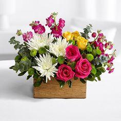 Search for spring bounty centerpiece Rosen Arrangements, Easter Flower Arrangements, Beautiful Flower Arrangements, Flower Centerpieces, Silk Flowers, Spring Flowers, Flower Decorations, Floral Arrangements, Beautiful Flowers