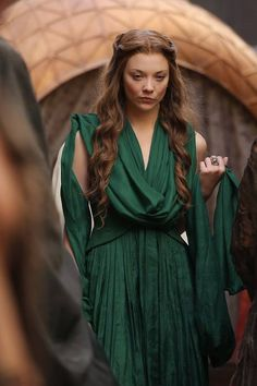 You are watching the movie Game of Thrones on Putlocker HD. Set on the fictional continents of Westeros and Essos, Game of Thrones has several plot lines and a large ensemble cast but centers on three primary story arcs. Natalie Dormer, Game Of Thrones Dress, Got Game Of Thrones, Got Costumes, Movie Costumes, Xena Warrior Princess, My Champion, Costume Design, Green Dress