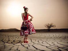 PERU MODA 2012, feria internacional que reúne lo mejor de la oferta exportable peruana en confecciones, calzado y joyería, se realizará del 26 al 28 de abril en el Centro de Exposiciones del Jockey Club. En la página del evento encontrará más información: http://www.perumoda.com/.