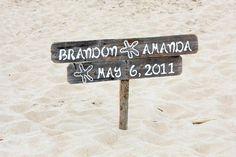 Wedding decorations beach drift wood New ideas Beach Wedding Signs, Wooden Wedding Signs, Wedding Spot, Beach Wedding Decorations, Hawaii Wedding, Wedding Wishes, Trendy Wedding, Rustic Wedding, Wedding Ideas