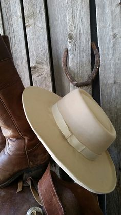 Bucks Sombrero Cowboy hat or you could call; it a Vaquero style cowboy hat, Vintage Cowboy Hat Cowgirl Hats, Western Hats, Cowboy And Cowgirl, Cowgirl Style, Cowboy Gear, Western Wear, Buckaroo Hats, Cowboy Hat Styles, Rodeo Boots