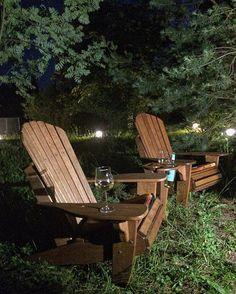 WEBSTA @ adirondack.com.ru - Кресла Adirondack . Чудесный летний вечер. Вино в бокалах. Отдыхаем. #креслоадирондак#отдыхаемнадаче #отдыхаем #adirondackchairs #oak #rest #адирондак#adirondack#outdoorfutniture#handcrafted#oak#дуб#мебельдлясада#уличнаямебель#бокал#вино