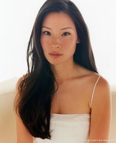 Lucy Liu Pictures & Mini Biography