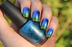Blue green gradient nails #ombrenails #nailpolish