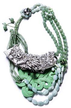 Collana Burnet (2010) - Denise Julia Reytan - Germania - Realizzata in argento, plastica ecc.