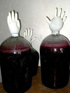 Домашнее вино из старого варенья.