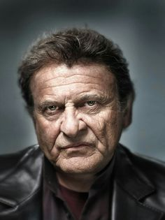Am I the only one who think's Joe Pesci would be a great Penguin? Hollywood Actor, Classic Hollywood, Cinema Tv, Face Expressions, Celebrity Portraits, Interesting Faces, Male Face, Famous Faces, We The People