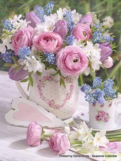 A bouquet of flowers that spesks of love beyond words . Beautiful Flower Arrangements, My Flower, Pretty Flowers, Fresh Flowers, Spring Flowers, Flower Art, Floral Arrangements, Spring Plants, Floral Vintage