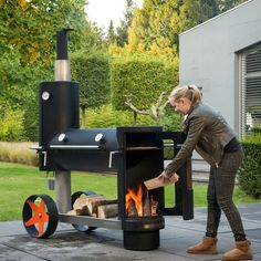 The sexiest smoker I've ever seen! I want one!!!