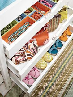 rawers are excellent space-savers. Use yours to conceal jewelry, small bags and flats.