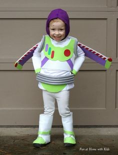 DIY No-Sew Buzz Lightyear Costume - super easy and affordable!  From Fun at Home with Kids