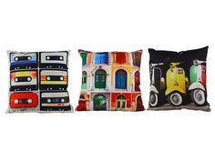 Los #mejores #cojines tanto en #diseños y en #decoración como en la #comodidad y la #calidez de sus #materiales de #primeras #calidades. Con #grabaciones de #cassette, #puertas y de las #miticas #motos de la #marca #italina como lo son las #vespas