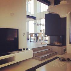"""6 tykkäystä, 1 kommenttia - VirveRosberg (@virverosberg) Instagramissa: """"Piristystä päivään - asiakkaan luona päiväkahvilla ☀️ #olohuone #kivitalo #liveyourdream #lovemyjob…"""" Architect Design, Instagram Posts, Projects, Log Projects, Blue Prints"""