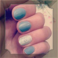Semi-gel Vintage nails. Lace Strickers! #lace #lacenails #vintage #vintagenails #blue #navynails