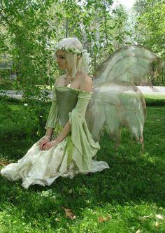 Garden fairy costume mother nature 27 new ideas Diy Costumes, Cosplay Costumes, Faerie Costume, Renaissance Fairy Costume, Woodland Fairy Costume, Dark Fairy Costume, Fairytale Costume, Illustration Fantasy, Fairy Cosplay