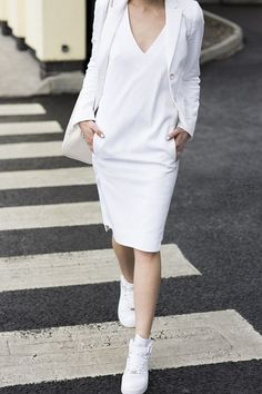 5 Reasons I Love Total White Looks #evatornadoblog #fashionblog #totalwhitelook #whitecolor
