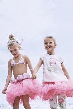 MONNALISA Spring Summer 2017 #Monnalisa #fashion #kids #childrenswear #newcollection #girl #style #summer #hairband #bag #romantic #teacup #pink #flower #rose