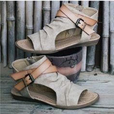 Sandals Gladiator Peep Toe Buckle Zipper Roman Sandals Women Flat Summer Beach – #sandals #sandalsheels #sandalssummer #sandalsoutfit #sandalsflat #sandalsoutfitcasual #sandalsoutfitsummerchic Trendy Sandals, Boho Sandals, Strap Sandals, Wedge Sandals, Leather Sandals, Beach Sandals, Gladiator Sandals, Sandals Outfit, Beach Shoes