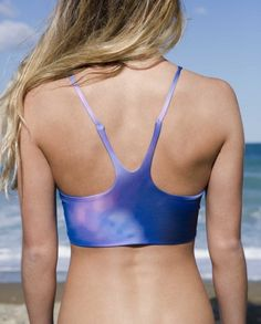 This is a seamless design also double layered to prevent sheerness. No elastic is used to avoid 'cutting in to' the body and instead softly moulds around your shape whilst staying secure. tahouts.com