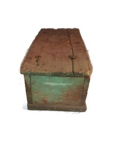 19th Century Primitive lidded box  Ohio Estate  by thelongacreflea