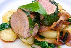 Recept: Pečené mäso s Medvedím cesnakom a tvarohovými ňokmi | Nebíčko v papuľke