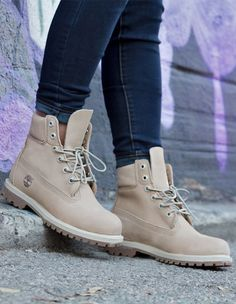 Timberland Boots - Timberland Boots - Shoes: tan, timberlands, off white/white canvas shoes - Wheretoget Zapatos Shoes, Shoes Sandals, Nude Shoes, Crazy Shoes, Me Too Shoes, Heeled Boots, Bootie Boots, Ankle Boots, Cute Boots