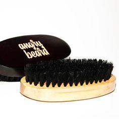 Angry Beard drewniana szczotka z włosia dzika do brody i wąsów
