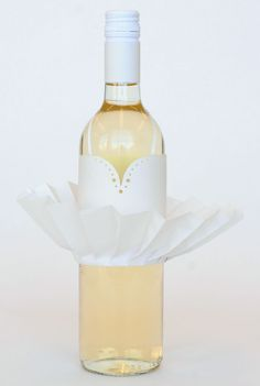 the Marilyn wine bottle design