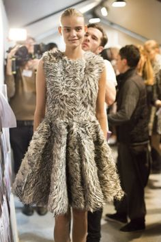 Giambattista Valli - Paris Fashion Week - Otoño Invierno 2014/2015 - Fashion Backstage
