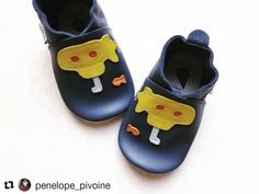 Profites-en bien Paul ! #Repost @penelope_pivoine with @repostapp  Yellow  submarine shoes!  La classe en pantoufles chez nous ! Comme d'habitude fournisseur officiel familial :  @sebiobelgium avec la 3e paire de #bobuxshoes de Paul #sebio #sebiobelgium #bobux #shoes #yellowsubmarine #enmodebeatles
