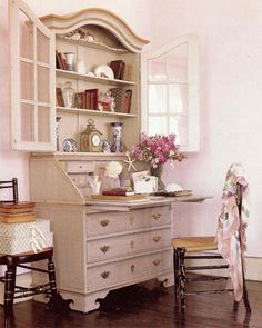 Secretary Desk. I think this looks great...Chalk Paint® decorative paint by Annie Sloan in Antoinette would give this look.