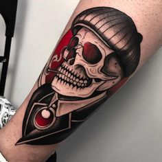 Tattoo Old School Men Rockabilly Urban Tattoos, Dope Tattoos, Cool Tattoos For Guys, Pin Up Tattoos, Skull Tattoos, Amazing Tattoos, Tattoo Girls, Girl Tattoos, Tattoo Studio