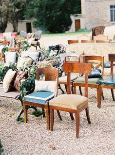 mezcla de sillas en la ceremonia1