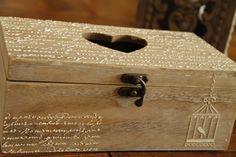 Qué bien quedan los relieves hecho con un stencil y la masilla de relieve http://www.todostencil.com/es/home/1679-masilla-de-relieve-stencil-paste-250ml-8429551271806.html