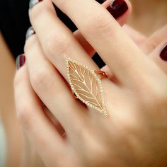 """Leafy Lace"" Diamond Leaf Ring-- not entirely practical, but still very pretty. I would love this for sake of a costume, character outfit, or photo shoot. Gold Jewelry Simple, Gold Rings Jewelry, Gold Diamond Rings, Bridal Jewelry, Gemstone Jewelry, Fine Jewelry, Gold Bangles, Antique Jewelry, Aztec Jewelry"